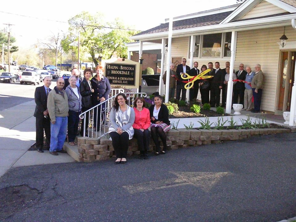 Halpin - Bitecola Brookdale ribbon cutting photo